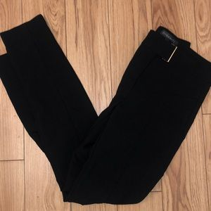 Skinny dress pant with gold detail